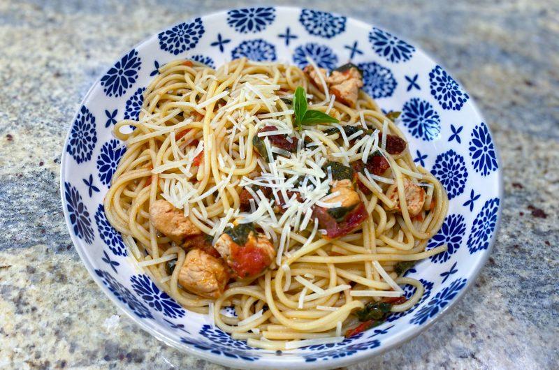 Chicken Tomato & Spinach Pasta